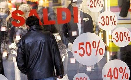 AL VIA I SALDI ESTIVI: 7 ITALIANI SU 10 FARANNO ACQUISTI SOPRATTUTTO NEL SETTORE ABBIGLIAMENTO