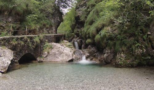 Vertova, due giorni di ciclismo internazionale. Accesso alla Val Vertova garantito
