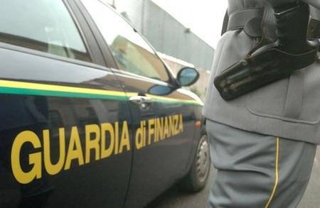 Scommesse illegali online: sequestrati beni per un miliardo di euro. Ai domiciliari 44enne di Gazzaniga