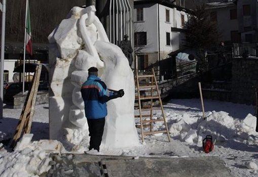 """Tornano le sculture di neve a Valbondione, sabato e domenica va in scena """"Giass e Nef"""""""