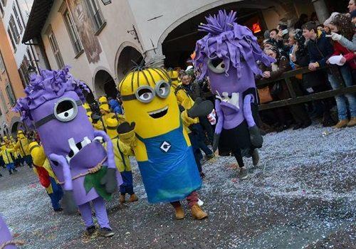 Allerta meteo in Val Seriana, il Carnevale di Clusone rimandato a giovedì