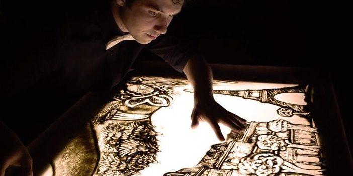 Teatro e sand art, ad Albino c'è Andrea De Simone