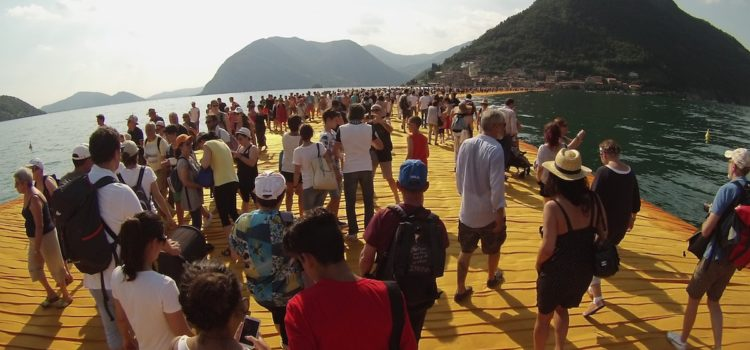 "700mila visitatori in 10 giorni, i numeri di ""The Floating Piers"""