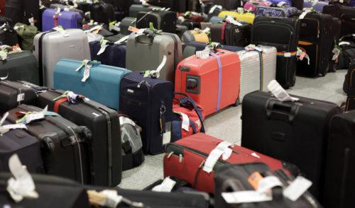 Aereo troppo pesante, si torna a Orio senza bagagli