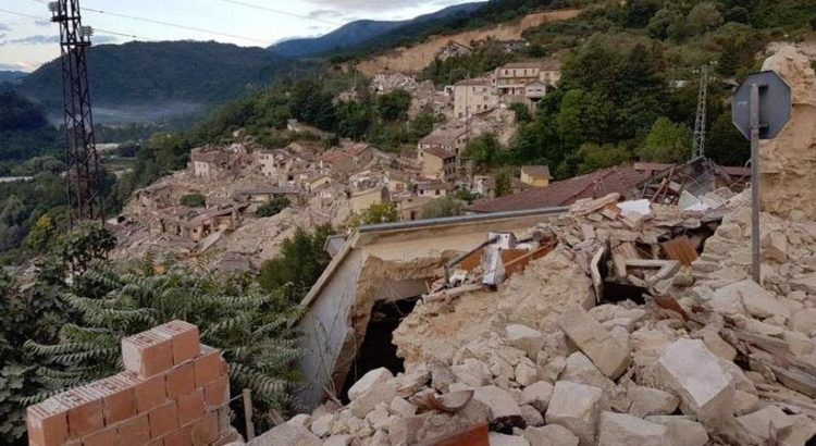 Terremoto: sale a 120 il numero delle vittime, centinaia i feriti