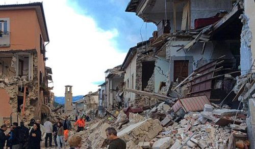3:36, trema il centro Italia. Terremoto di magnitudo 6 tra l'Umbria e le Marche