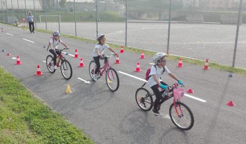Bici e scuola insieme: giovedì 1000 bambini in sella da Villa di Serio a Gandellino