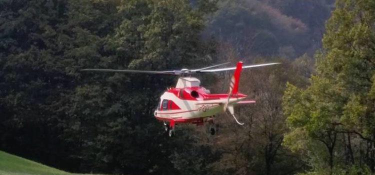 Gorno: 32enne di Albino recuperato dall'elicottero dei Vigili del Fuoco