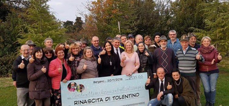 Rinascita di Tolentino, i bergamaschi consegnano 27 mila euro ai terremotati