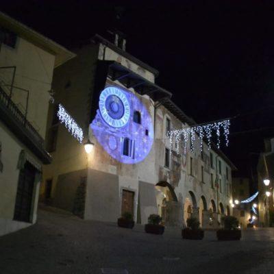 Clusone si prepara al Natale: luci, eventi e il trenino itinerante – video