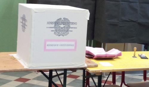 """Referendum: psicosi delle matite, il Ministero dell'Interno """"Indelebili sulle schede"""""""