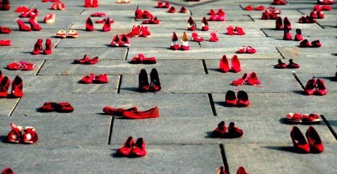 """Leggere… ci piace – Chiara Marinoni """"Ho ciabatte rosse"""""""