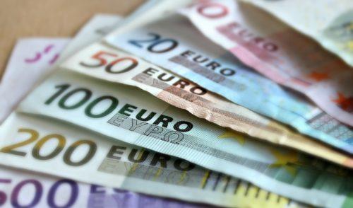 Alzano, trova un portafoglio con 2500 euro e lo restituisce