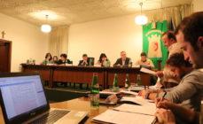 Clusone: sì ai negozi nell'ex Mirage, contrarie le minoranze