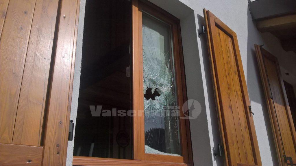 Vandalismi e furti razzia nelle seconde case a valpiana di gandino valseriana news - La finestra rotta ...