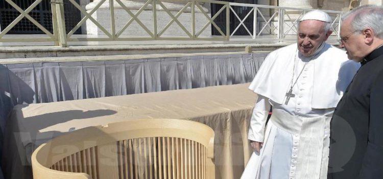 Dalla Val Seriana a Roma, una sedia per Papa Francesco