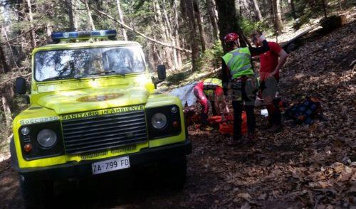 Cade da moto nella zona del Magnolini, soccorso 24enne