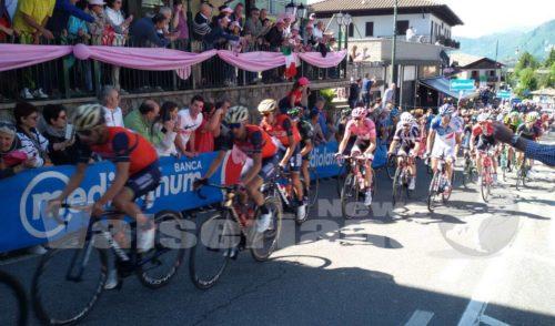 In migliaia a Selvino per il Giro d'Italia – foto
