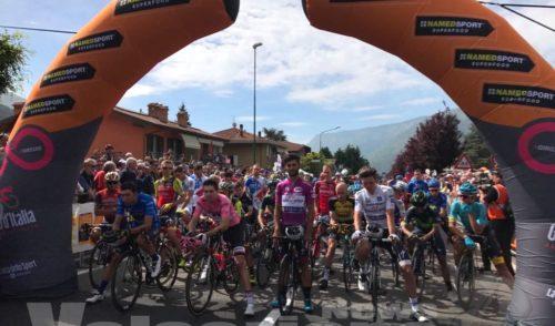 Giro d'Italia, a Rovetta un minuto di silenzio per Hayden e le vittime di Manchester  – Foto