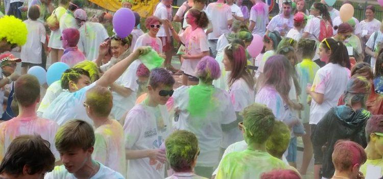 Paint Run, a Vertova la camminata colorata contro la leucemia