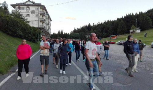 Castione, nuovo blocco della strada contro l'arrivo dei migranti – video