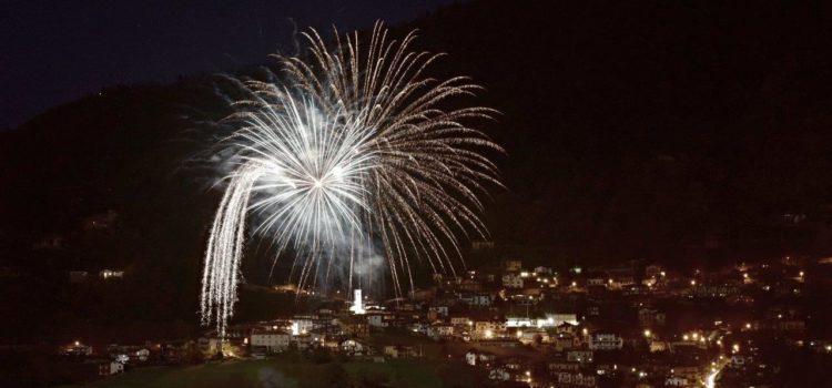 Michì e fuochi d'artificio: a Barzizza il gran finale della festa