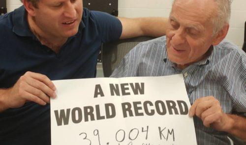 Record mondiale in Canada per il ciclista 80enne di Rovetta Giuseppe Marinoni