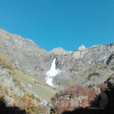 In 2.500 salutano le Cascate del Serio, pienone all'ultima apertura di stagione – foto