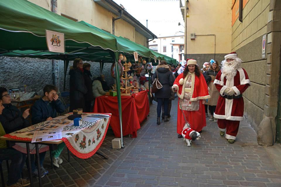 Babbo Natale tra i mercatini a Casnigo