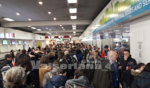 Tifosi bergamaschi in coda all'aeroporto, questa sera c'è Borussia Dortmund Atalanta – Foto