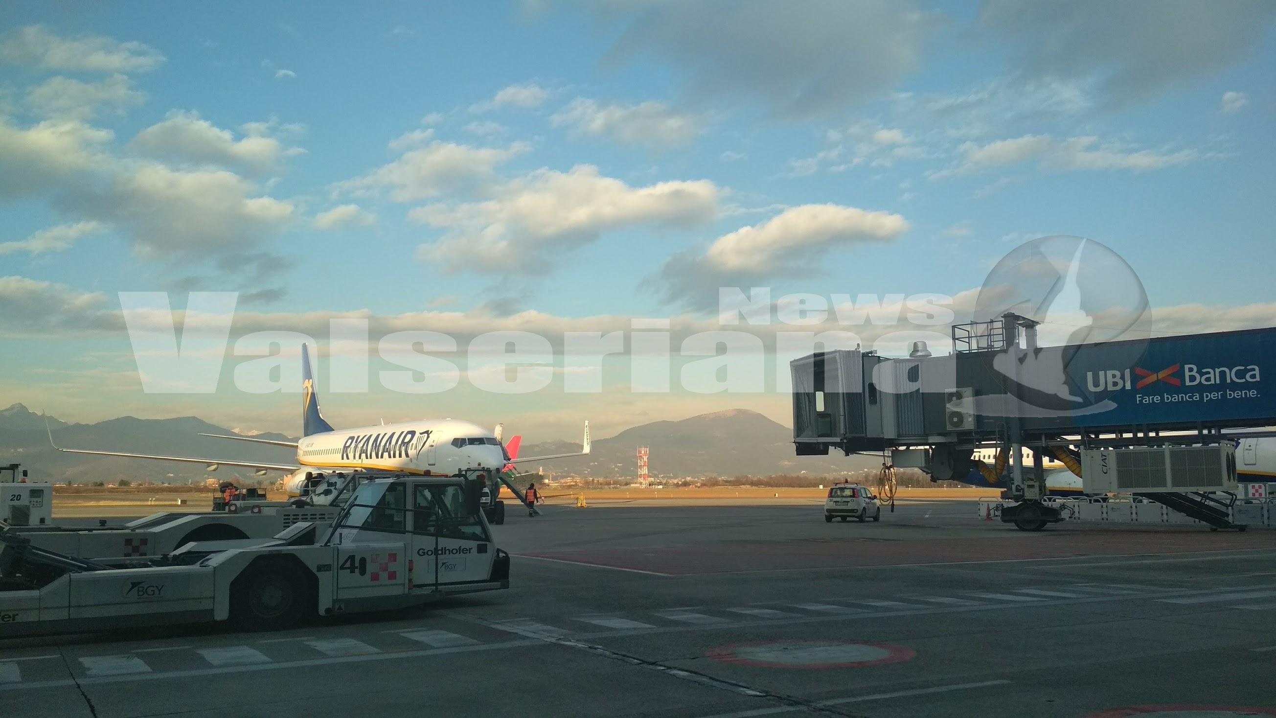 Aeroporto Orio : Bergamo aereo cargo esce di pista chiuso l aeroporto di orio al
