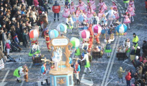 A Bergamo tutto pronto per la sfilata di Mezza Quaresima