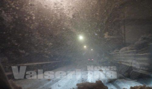 Ancora neve in Val Seriana, viabilità discreta