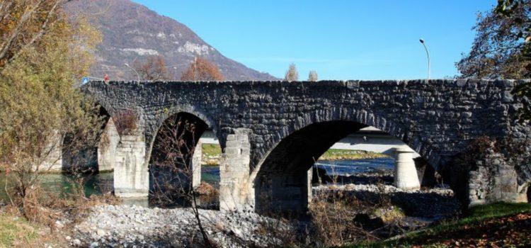 Albino, scatta il divieto di tuffarsi dal ponte romanico