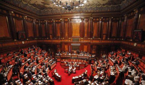 """Crisi di Governo: opposizioni e 5 Stelle duri contro Salvini """"La crisi l'hai voluta tu"""""""