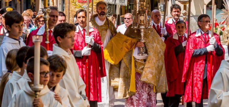 Arte e devozione, a Gandino la solenne processione del Corpus Domini