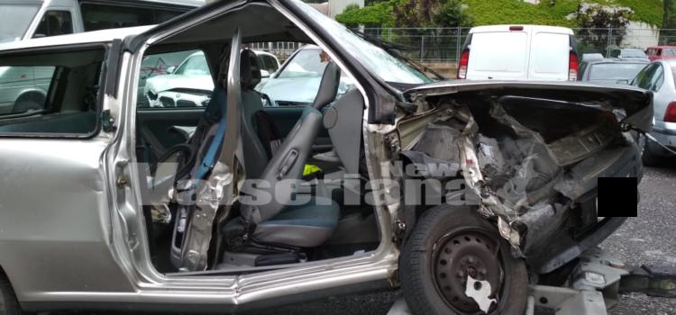 Incidente frontale nella notte a Clusone, un ferito grave – Foto