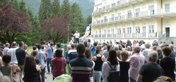 In 200 a Piario per manifestare contro la chiusura del punto nascite – Foto