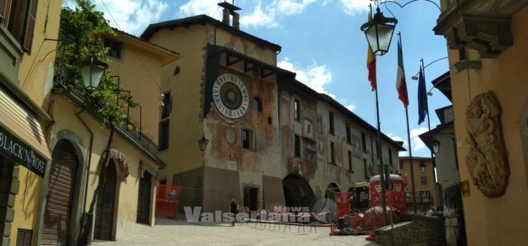 Clusone: Piazza Orologio ha un nuovo look. Domani il taglio del nastro