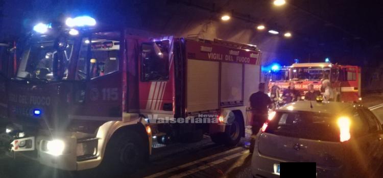 Incendio autovettura in galleria Montenegrone, strada riaperta alla circolazione