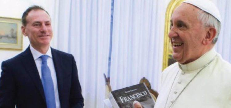 """""""A tavola con Papa Francesco"""",  Roberto Alborghetti presenta il suo libro ad Albino"""