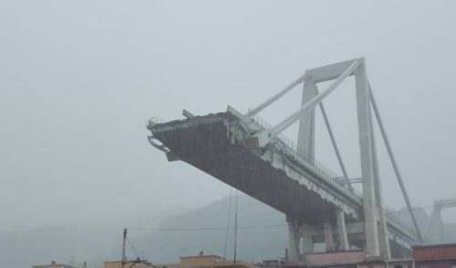 Crollo del ponte sulla A10 a Genova, 39 morti e 10 dispersi