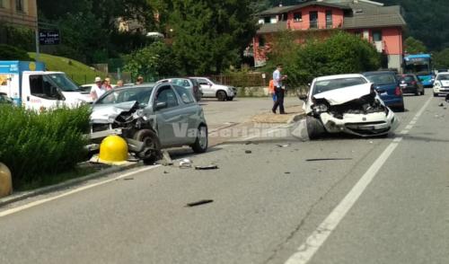Incidente sulla provinciale a Ponte Nossa, tre auto coinvolte