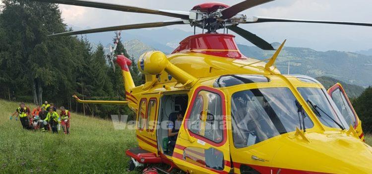 Incidente in moto a Colere, sul posto l'elisoccorso di Bergamo e di Sondrio