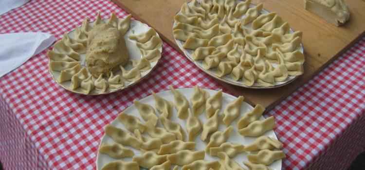 La buona cucina bergamasca in tavola a Parre in occasione della 53esima Sagra degli Scarpinòcc