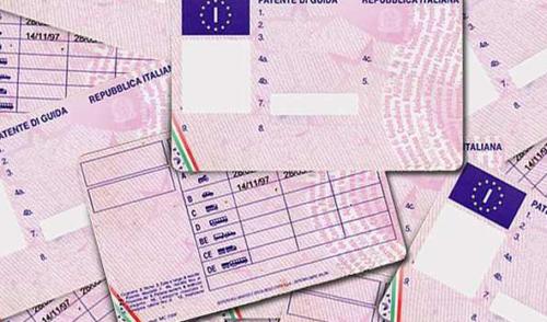 Patenti false e detenzione di sostanze stupefacenti, denunciato 26enne residente a Gandino