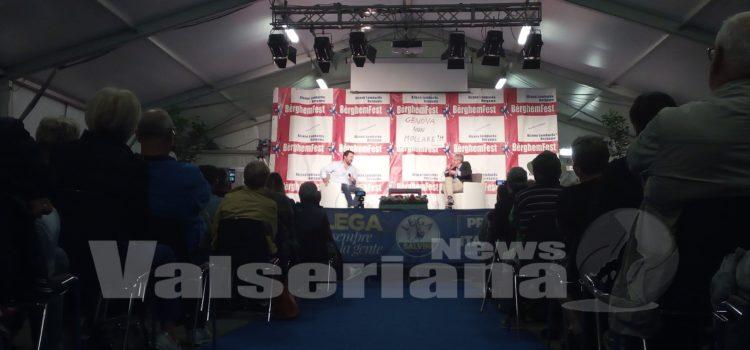 Pro Salvini e anti Salvini: la calda domenica politica di Alzano Lombardo