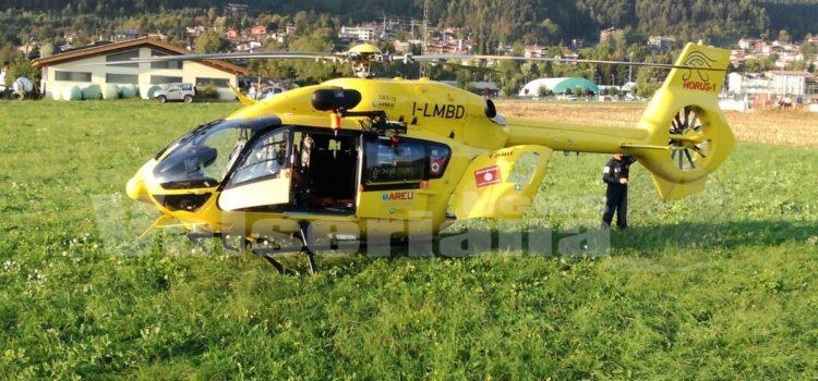 Cade dalla moto a Ponte Nossa, ferito endurista 62enne