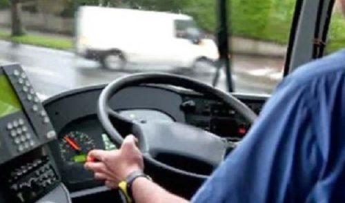 La Polizia controlla 30 autobus, solo uno sovraffollato