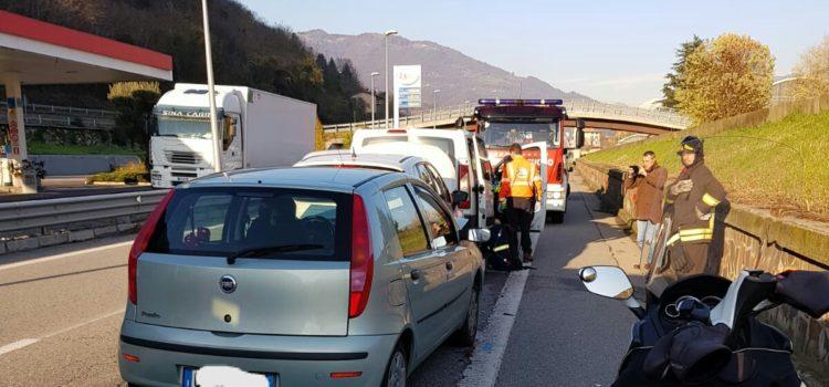 Tamponamento sulla superstrada della Valle Seriana ad Albino, 5 i feriti